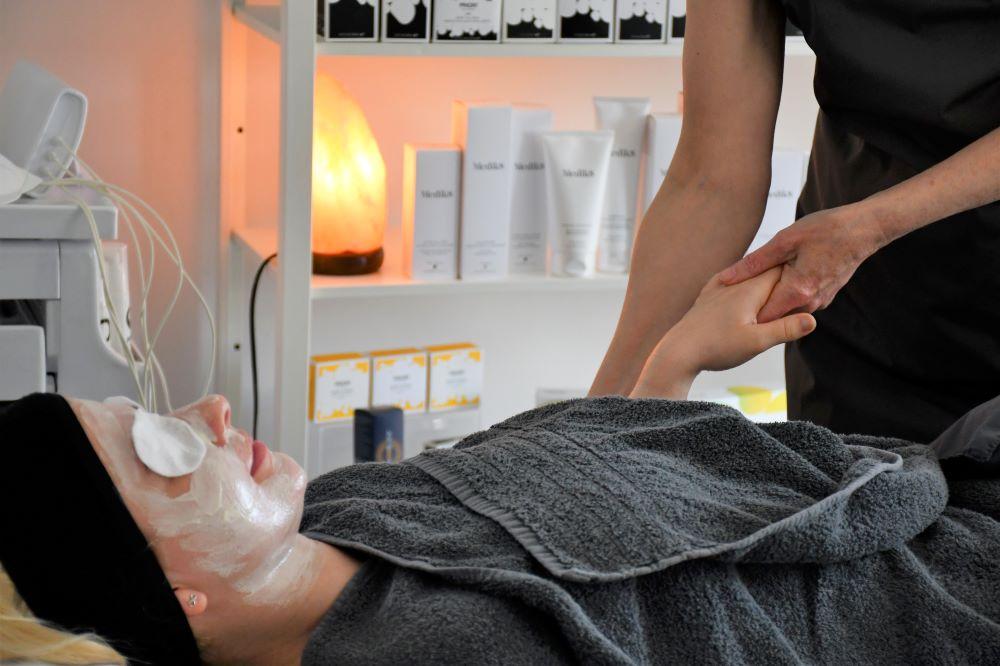 Tracey Hughes Beauty massage